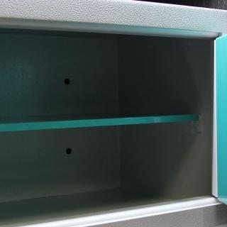 Мебельный и офисный сейф Juwel 7666